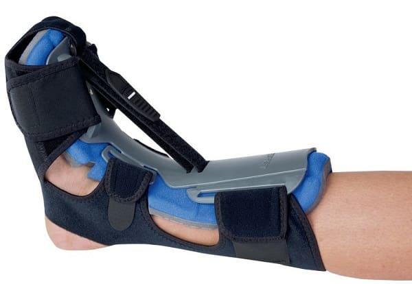 درمان پا درد هنگام راه رفتن با استفاده از اسپلینت