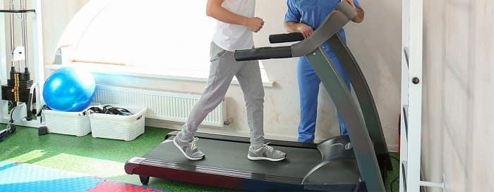 بازآموزی الگوی صحیح راه رفتن برای درمان پای پرانتزی
