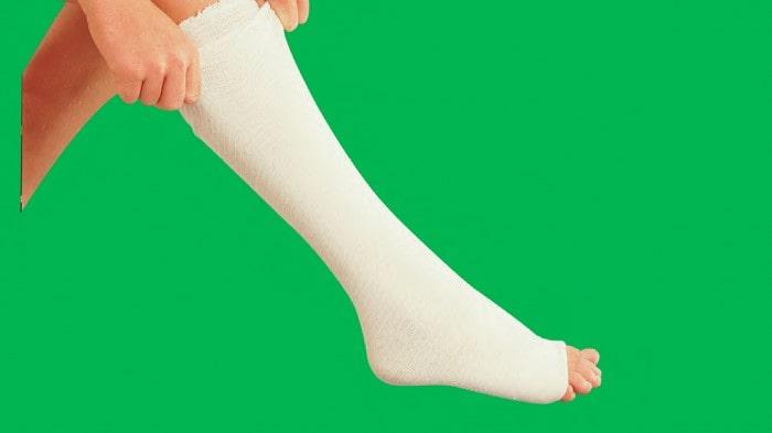 بیحرکت نگه داشتن برای درمان شکستگی استخوان کف پا