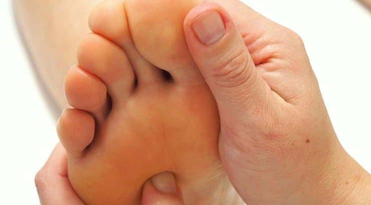 تاثیر رفلکسولوژی کف پا (foot reflexology) بر سلامت بدن
