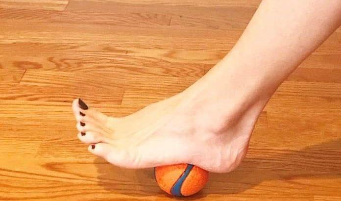حرکات اصلاحی گودی کف پا درمان قوس زیاد کف پا با ورزش-min