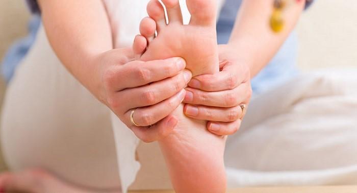 علت خواب رفتن پا چیست؟