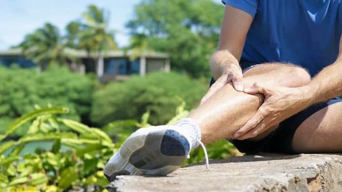 علت درد ساق پای راست و چپ زنان و مردان هنگام خواب و پیاده روی