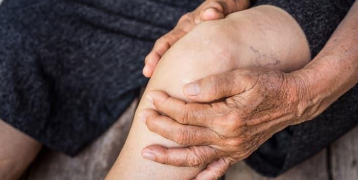 عفونت از علت ورم زانو در سالمندان