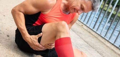 فلکسورهای عضلات کشیده لگن از عواملی باعث کشیدگی همسترینگ میشود