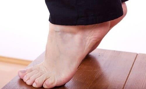 تمرین نوک پا برای تسکین درد پاشنه
