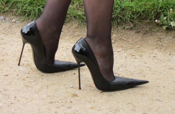 کفش نوک تیز-