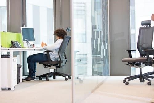 7 عادتهای بد نشستن و اصلاح آنها